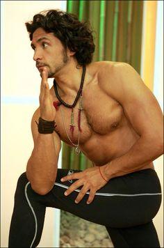 ALEJANDRO MALDONADO yoga