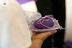 Los pequeños detalles que hacen de tu boda algo único.  #fijándonosenlosdetalles #fotografíadebodas #bodasLugo #bodasGalicia #casarseenGalicia #weddingphoto #portaalianzas