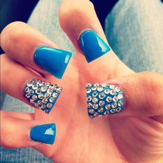 Her nails look like blue duck bills. Get Nails, Prom Nails, Love Nails, How To Do Nails, Hair And Nails, Duck Bill Nails, Duck Feet Nails, Fabulous Nails, Gorgeous Nails