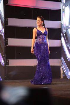 #MissEcuador2017 Una de las grandes favoritas a Miss Ecuador 2017: Rosa Torres (Los Ríos) en traje de gala. Qué les pareció?
