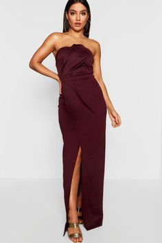 Red maxi dress boohoo's flash sale is here for all the hottest trends at bargain prices! Minis, Maxi Bridesmaid Dresses, Skater Dresses, Bridesmaids, Fishtail Maxi Dress, Hermes Paketshop, Maxi Robes, Bodycon Fashion, Trends