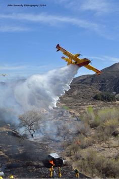 SuperScooper at work with Los Angeles County Fire Department. Wildland Firefighter, Volunteer Firefighter, Fire Dept, Fire Department, Fighting Plane, Fire Tornado, Bomber Plane, Fire Equipment, Into The Fire