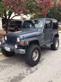 Make: Jeep Model: Wrangler Year: 2002 Exterior Color: Blue Interior Color: Charcoal Doors: Two Door Vehicle Condition: Good Phone: 512-705-3502 For More Info Visit: http://UnitedCarExchange.com/a1/2002-Jeep-Wrangler-352574009055