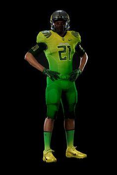 Oregon ducks new football uniform College Football Uniforms, Sports Uniforms, Basketball Uniforms, Sports Jerseys, Baseball Jerseys, Oregon Ducks Football, Oregon Jerseys, Cool Football Helmets, Best Uniforms