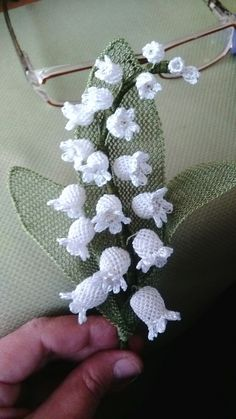 Pretty Lily of the valley Tatting, Lace Art, Needle Lace, Lily Of The Valley, Filet Crochet, Ribbon Embroidery, Crochet Patterns, Textiles, Quilts