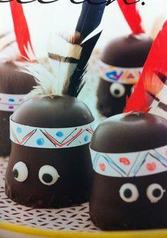 ** Trakteren: indiaantjes **    Hoe leuk zijn deze chocolade indiaantjes? Je kunt ze snel en simpel zelf maken.    Hoe? Hier lees je wat je nodig hebt: http://bit.ly/1e919hm