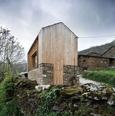 Stone and Wood Barn via Jessica Comingore