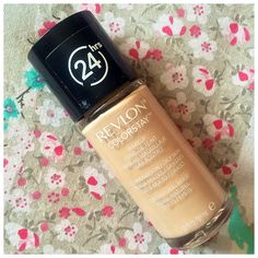 REVIEW | REVLON COLORSTAY FOUNDATION FOR COMBINATION/OILY SKIN | 220 NATURAL BEIGE.