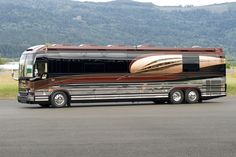 Dutch's tour bus