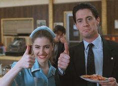 Twin Peaks - Shelly Johnson (Madchen Amick) and Agent Dale Cooper Serie Twin Peaks, Twin Peaks 1990, David Lynch Twin Peaks, Laura Palmer, Lou Le Film, I Love Cinema, Madchen Amick, Tv Movie, Kyle Maclachlan