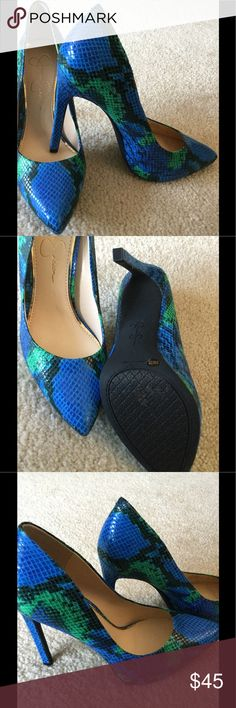 """Jessica Simpson Blue Green Snake Heel Size 8, fits 7.5, heel height 4.5"""", great padding Jessica Simpson Shoes Heels"""