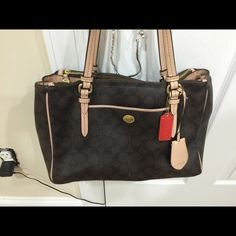 Authentic Coach Purse Gently used, purchased from Coach store a year ago Paid $450. Coach Bags Shoulder Bags
