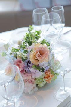 今日、サンス・エ・サヴールで 挙式された花嫁様へのブーケです。 何度も単発レッスンにきてくださった方です。 戻ってからアシス...