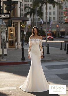 Pronovias collectie 2021 | Premium Dealer | Trouwjurk WINTERS Rembo Styling, Satin Mermaid Wedding Dress, Fit And Flare Wedding Dress, Modern Princess, Cruise Collection, Hollywood Glamour, Pronovias Wedding Dress, Wedding Dresses, Vestido Strapless