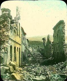Martinique, Saint-Pierre les ruines rue Victor Hugo. Ruins in Victor Hugo St, St Pierre, Martinique