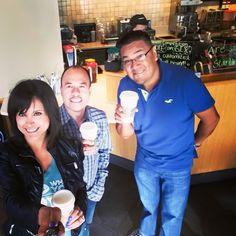 Con el Jefe Abelito, La Muñeca y El Compa  Mike en nuestro lugar favorito Starbucks Saludos mi gente !
