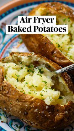 Air Fryer Oven Recipes, Air Frier Recipes, Air Fryer Dinner Recipes, Accra, Air Fryer Baked Potato, Baked Potatoes, Air Fryer Cooking Times, Air Fried Food, Tandoori Masala