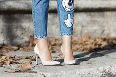 Jeans con parches de la colección Mickey Mouse de Zara   With Or Without Shoes - Blog Influencer Moda Valencia España