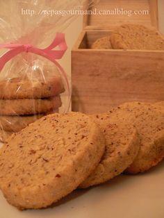 Hazelnut Shortbread Recipe: the easy recipe - Cuisine des chefs Biscotti Cookies, Oat Cookies, Galletas Cookies, Cupcake Cookies, Desserts With Biscuits, No Cook Desserts, Cookie Desserts, Cookie Recipes, Cookies