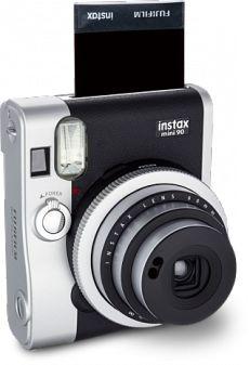 FujiFilm lança nova Instax Mini 90 com design retrô.