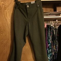 """Torrid All Nighter Skinny Pants These skinny pants in olive green are so comfy for work, but they're too long for me (@5'3"""" tall).  So, they are BNWT attached torrid Pants Skinny"""