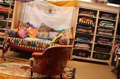 65 Creative interior design ideas from the 2012 Maison&Objet exhibition Diy Daybed, Bohemian Theme, Colorful Pillows, Moroccan Style, Bed Storage, Modern Furniture, Sweet Home, Diy Projects, Interior Design