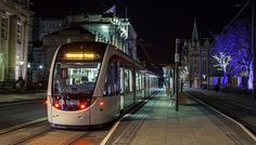 Edinburgh Airport Transfers By Tram Or Bus #Airlink, #Bus, #Edinburgh, #Tram, #Transfer