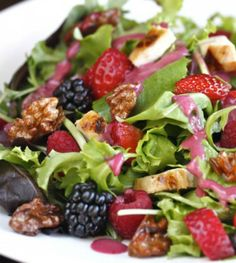 Wild Berry and Grilled Chicken Salad with Candied Walnut| The Hopeless Housewife®
