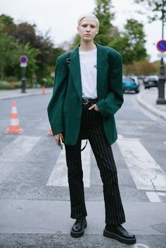 Harajuku Fashion, Fashion Outfits, Mode Simple, Androgynous Fashion, Street Style Summer, Models Off Duty, Grunge Fashion, Everyday Outfits, Classy Outfits