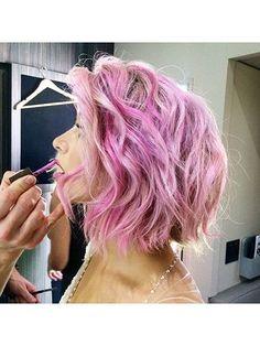Julianne Hough's curled pink bob | allure.com