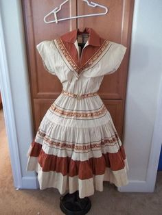 Vintage L 1950s Patio Squaw Dress Arizona Miss Ric Rack Circle skirt Rockabilly