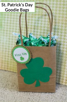 Easy St. Patrick's Day Goodie Bags. Great for kids and adults!