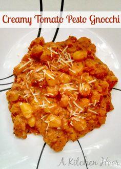 Creamy Tomato Pesto Gnocchi #MeatlessMonday