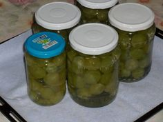 Dulcesarat: Compot de struguri albi, fara conservant Bookmarks, Pickles, Cucumber, Food, Meals, Pickling, Cauliflower, Yemek, Pickle