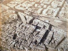 Barcelona 1888: Las primeras fotografías aéreas de Barcelona. https://www.google.es/search?q=barcelona+1888+las+primeras+fotografias+aereas+espa%C3%B1olas+y+un+duro+para+subir+en+globo&tbm=isch&tbo=u&source=univ&sa=X&ved=0ahUKEwiksYSWvtDNAhVBBBoKHbGRB44QsAQINg&biw=1242&bih=606&dpr=1.1#imgrc=E1BxE-0xn3ERAM%3A