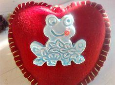 Broche grenouille, Broche grenouille bleu, Broche turquoise, Bijoux grenouille, Broche céramique, Bijoux céramique, Cadeau Broche femme by itssomimi2 on Etsy