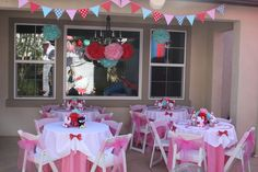 Ultimate hello kitty party from catchmyparty.com. Love the colors!