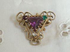 Look, Edwardian vagina jewelry! Edwardian Jewelry, Edwardian Fashion, Antique Jewelry, Vintage Jewelry, Edwardian Style, Women Suffragette, Suffragette Colours, Art Deco Jewelry, Jewelry Sets
