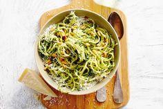 Spaghettini met boerenkoolpesto -- Allerhande [NL]