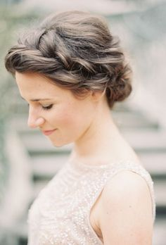 Wedding hairstyle idea; Featured Photographer: Rylee Hitchner Photography