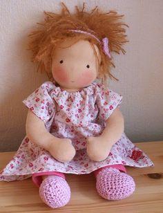 via Casa de Retalhos: As bonecas de Maria {Maria's dolls}