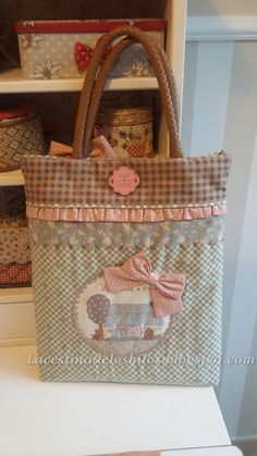 Patchwork Bags, Quilted Bag, Pouch Pattern, Bag Patterns To Sew, Simple Bags, Fabric Bags, Patch Quilt, Love Sewing, Cute Bags