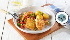 Stekt torsk med stekt tomat og paprika er en spennende og annerledes kombinasjon. Dette er en smakfull og enkel oppskrift med få ingredienser.