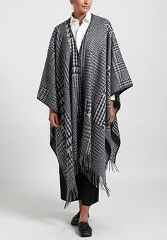 Alonpi Cashmere Bono Houndstooth and Herringbone Poncho in Grey | Santa Fe Dry Goods . Workshop . Wild Life Santa Fe Dry Goods, Cashmere Fabric, Chic Clothing, Herringbone Pattern, Saturated Color, Wild Life, Square Scarf, Houndstooth, Chic Outfits