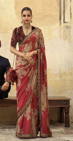 Latest Saree Collection Of Traditional Indian Sarees.Sea changes in fashion trends have led to a change in wardrobe, modern Indian women. Pakistani Dresses, Indian Sarees, Indian Dresses, Indian Outfits, Indian Clothes, Sabyasachi Sarees, Lehenga Choli, Anarkali, Silk Sarees
