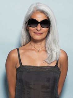 Natural grey hair on women is beautiful. Natural grey hair looks great on all ages. Grey Hair Don't Care, Long Gray Hair, Silver Grey Hair, Silver Color, Going Gray Gracefully, Aging Gracefully, Grey Hair Inspiration, Salt And Pepper Hair, Beautiful Old Woman
