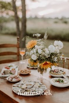 Dreamy, vintage lifestyle stock photos for creative in the Countryside from Haute Stock featuring outside dinner table with flowers, wine, oysters, charcuteries and snacks. #hautestock #lifestyle #stockphotography #blogging #socialmedia #femaleentrepreneur #marketing #businessowner #branding Thanksgiving Post, Flowers Wine, Girls Getaway, Slow Living, Dinner Table, Free Stock Photos, Oysters, Countryside, Blogging