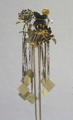 Hair Ornament, late 19th century. MET