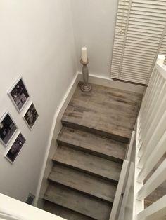 Kobieta po czterdziestce: Biało-szare schody, jak osiągnąć taki efekt