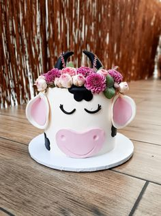 Farm Birthday Cakes, Cow Birthday Parties, Birthday Cake Girls, 2nd Birthday, Birthday Ideas, Cow Cakes, Girl Cakes, Cupcake Cakes, Cake Designs Images